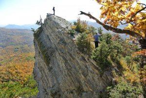 экскурсия на скалы серые монастыри
