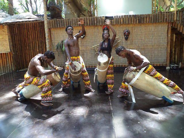 Экскурсия в Африканскую Деревню