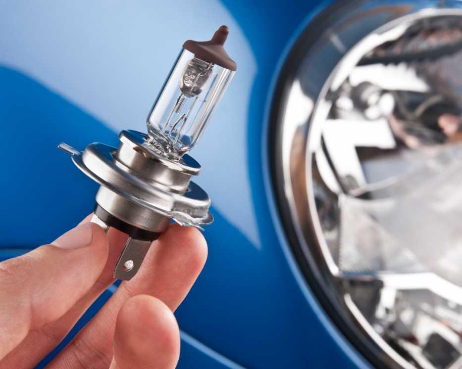 замена ламп фары ближнего света с выездом