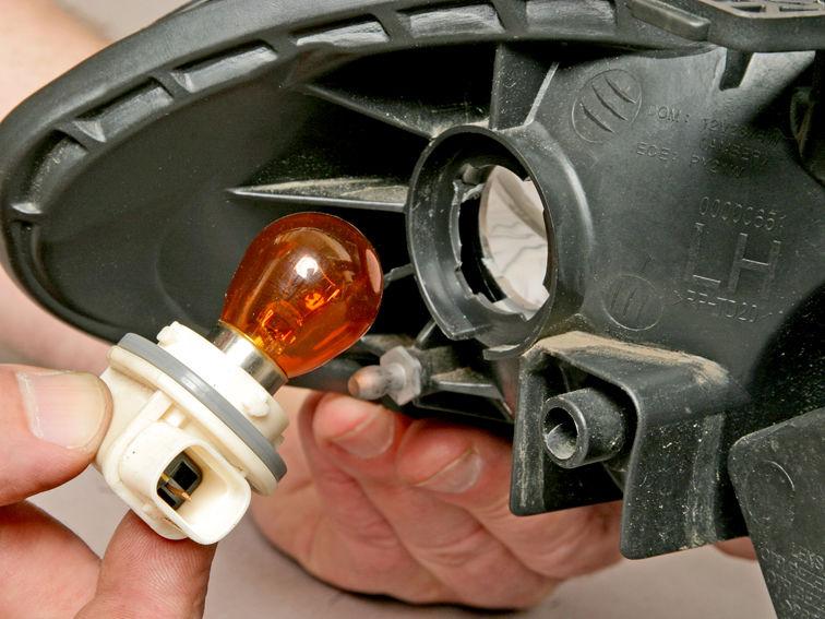 замена ламп поворотников с выездом